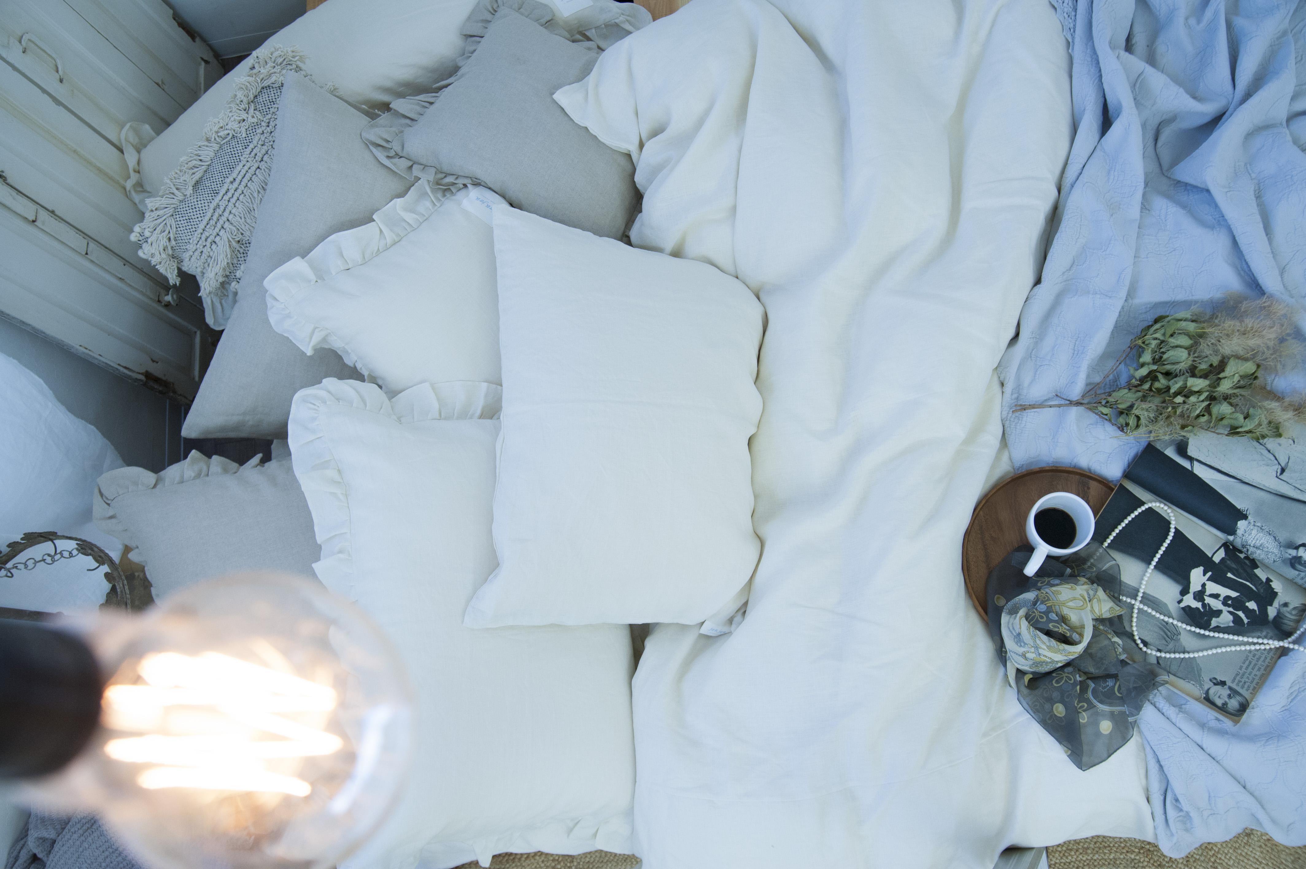 寝室 インテリア ナチュラル シャビーシック ファブリック