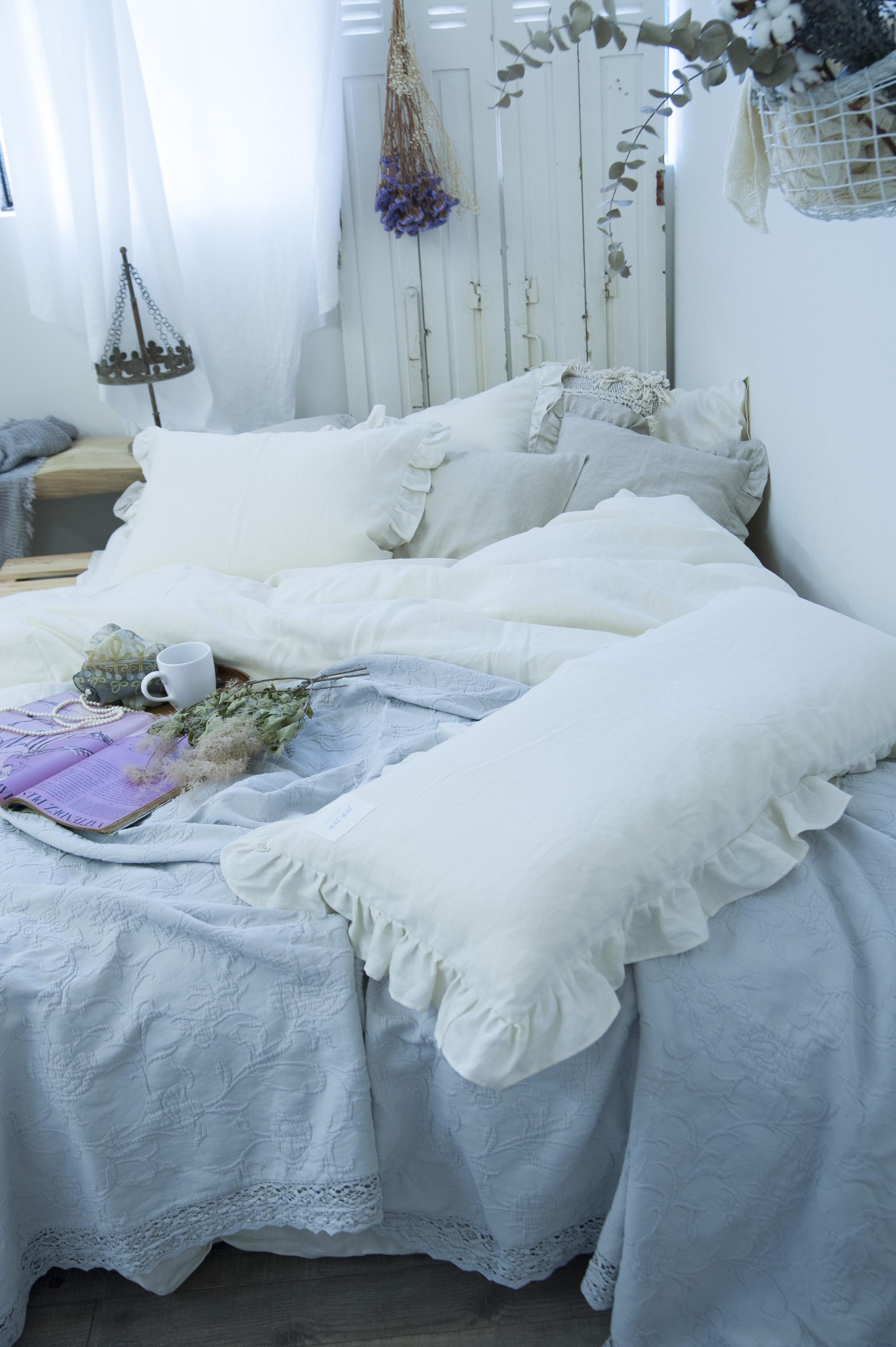 寝室 インテリア ナチュラル 寝室 インテリア おしゃれ Styling02  ナチュラルファブリック×シャビーシックスタイル